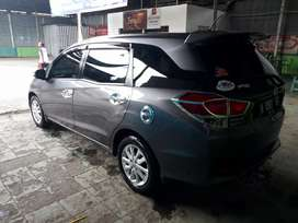 mobilio E warna favorit