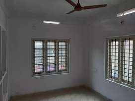 Single room with 1bed for rent in kalamassery for just Rs 4250.