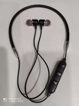 New Bluetooth headphones @ rs 229/- only