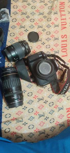 canon700d touchscrenfoldng conditionnew40mmlns100-300mmlns18-55mmlns