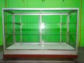 Etalase Kaca untuk Display