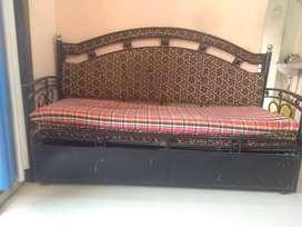 Sofa come bed