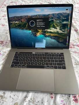 Mac Book Pro 15 inch 256 GB Space Grey with Touch Bar