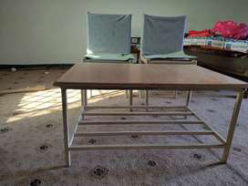 Iron table and chairs excellent condition
