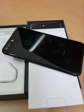 7 plus Super condition of I phone models available with bill box