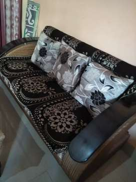 For sale 5 sitter sofa with cusion and cover