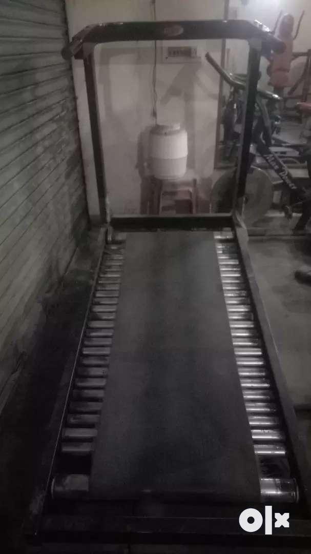 Manual heavy commercial jogger 0