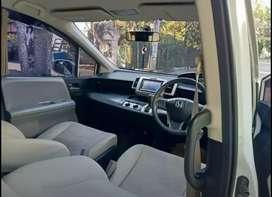 Mobil Minibus Honda Freed E 1.500CC Matic A/T 2010 Putih KM 132rb