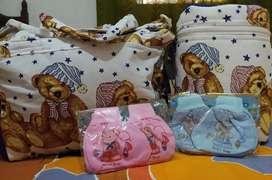 Sepaket Tas Pakaian Bayi & Tempat Botol Susu