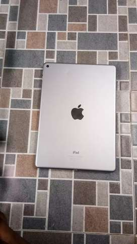 Apple IPAD AIR2 16GB  WIFI ONLY.CHARGE AVAILABLE