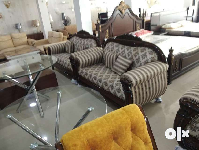 Sales girl requirement for furniture showroom 0