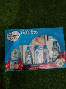 Gift box cussons perlengkapan bayi hampers