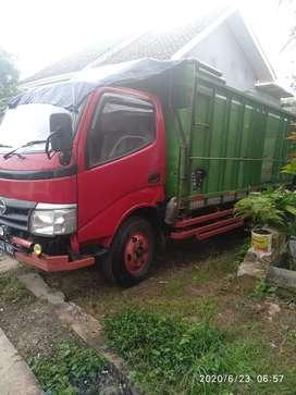 truk toyota dyna 115ET 2004