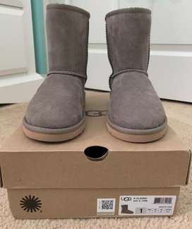 Sepatu Boots anak UGG AUSTRALIA ANKLE BOOTS BOOTIES K CLASSIC 5251Y K