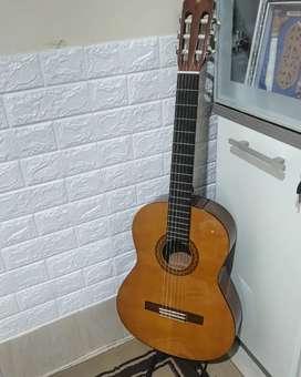 Gitar Yamaha original c330