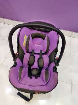 Babies carry cot, car seat, to and fro manual swing.