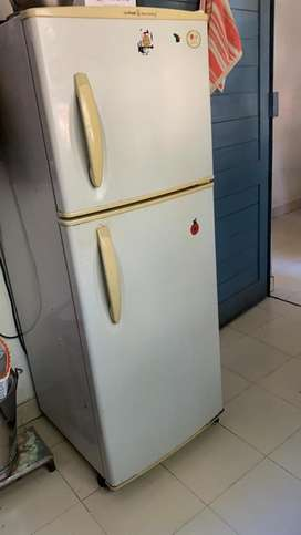 LG refrigerator double door Very good condition 7  year old