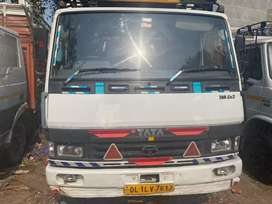 Tata 709 lpt 17 footy 2015 model diesal