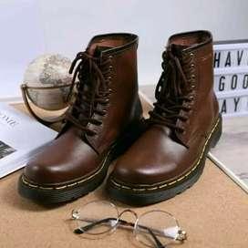 Sepatu boots pria wanita couple sepatu docmart kulit asli model moreli