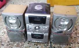VCD/CD Player with two speakers and remote