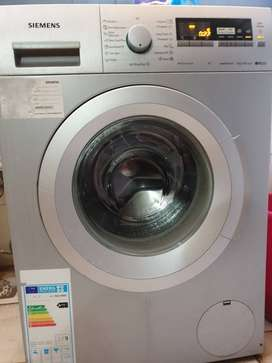 Automatic 8kg frontload washing machine.