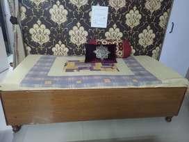 Wooden box Diwan