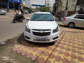 White Chevrolet Cruze Excellent Condition  49000 km new battery, tyres