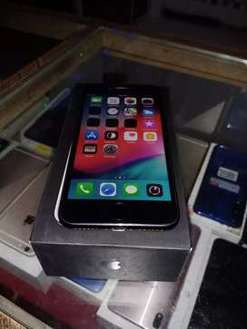 I phone 7 256 gb with bill boxx charger..
