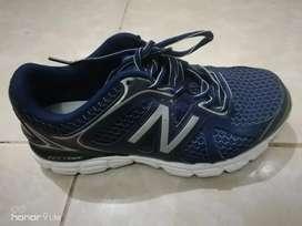 Sepatu new balance preloved pemakaian pribadi