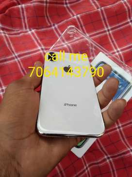 iPhone X 64GB.... silver colour