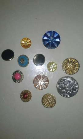 Buttons 340 pcs  for Ladies Clothing ( Sale)