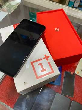 OnePlus 7(8/256GB) 1 Year Old In mInt CoNDitIon