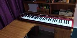 BEHRINGER UMX610 MIDI KEYBOARD