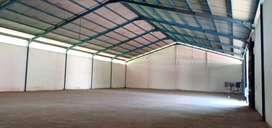 Disewakan Gudang Loss 1048 m2, lantai cor, pintu tinggi,Jl Gajahmada
