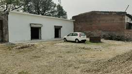 400 sqft area of warehouse available for rent in the heart of the city