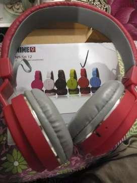 SH12 wireless headphones