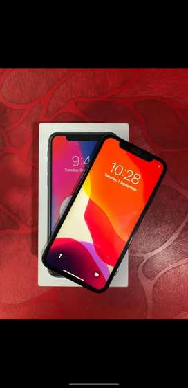 i phone x 64 gb box phone compiled agrnt sale text me