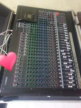 Mixer Yamaha MGP 24XU+ hardcase second kondisi normal