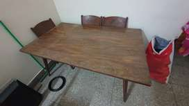Dining table with chairs (good condition)