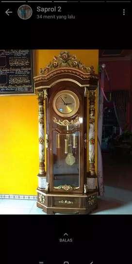 Jam pajangan lemari jam kayu