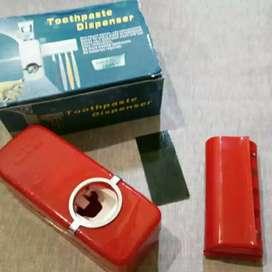 Tempat odol / dispenser odol / box sikat gigi alat mandi iw1