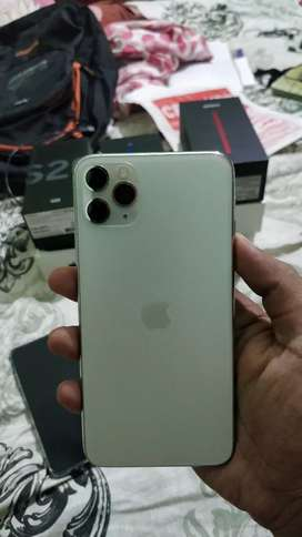 iPhone 11 pro max showroom condition