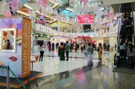 Job available in shopping mall for freshers candidate