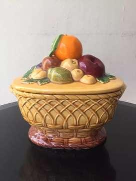 Pajangan keramik buah