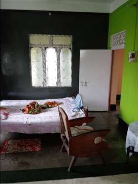 1 large single room with attach bath n kitchen available for rent