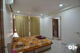 *advance location% 2500sqft flat/ 4BHK Available for Rent