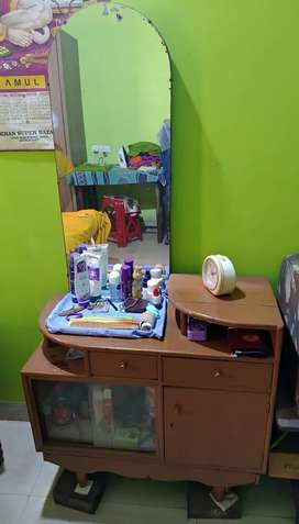 Dressing table good quality wood