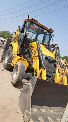well and good condision mascine jcb 10/10/2011.  mahindra