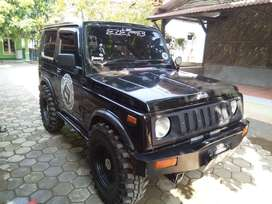 Di jual cepat mobil Jeep 1990