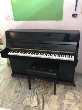 Kawai KX10 Upright Piano with stool in Perfect Condition